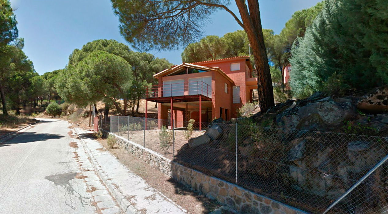 Chalet independiente en parcela de 1.880 m²