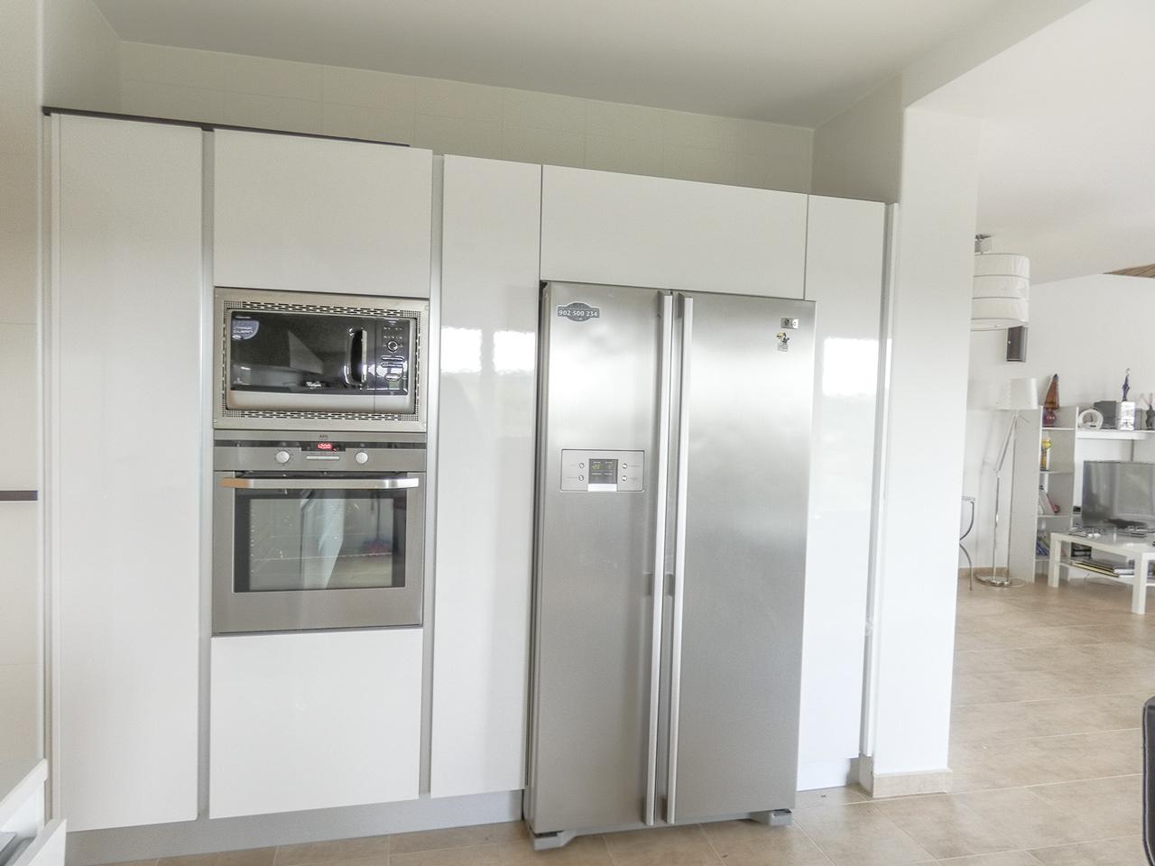 Chalets independientes y parcelas en madrid en venta for Muebles de cocina juan carlos madrid